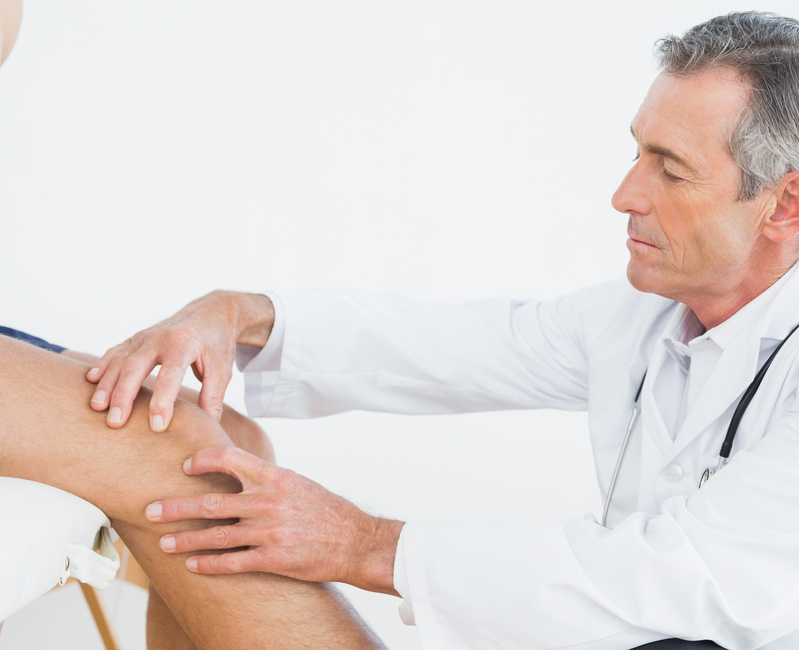 Determining the cause of knee pain
