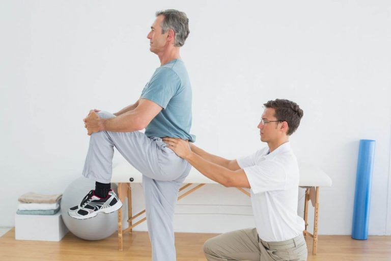 physical-therapist-low back-pain 3