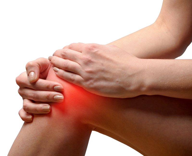 What are some of the symptoms of knee pain? - PainTherapyCare Brooklyn, NY